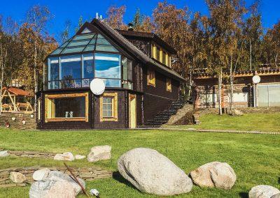 Дом с набережной